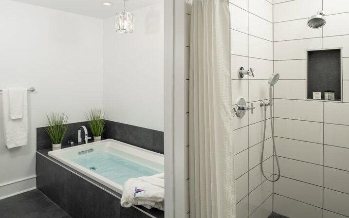 crescent-suite-bathroom