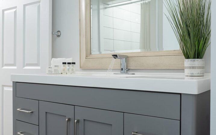 crescent-suite-bathroom-sink